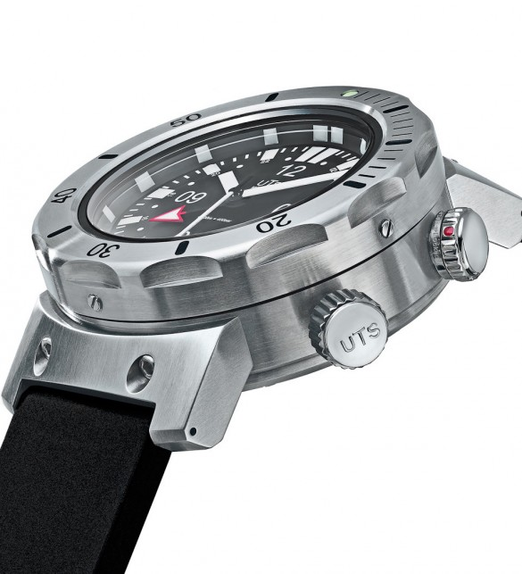 UTS Watches 4000M GMT